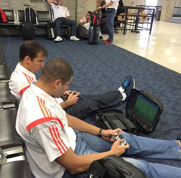 Marcelinho e Olivinha, Basquete Flamengo (Foto: Reprodução / Instagram)