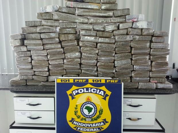 apreensão de 100 kg de maconha (Foto: PRF/Divulgação)