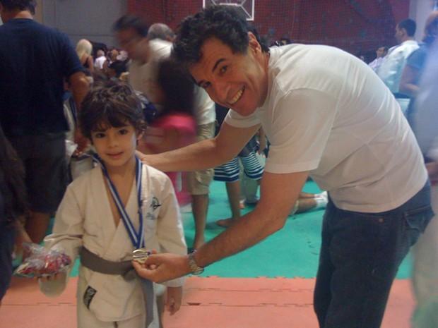 O ator Paulo Betti e a filho João. (Foto: Arquivo Pessoal)