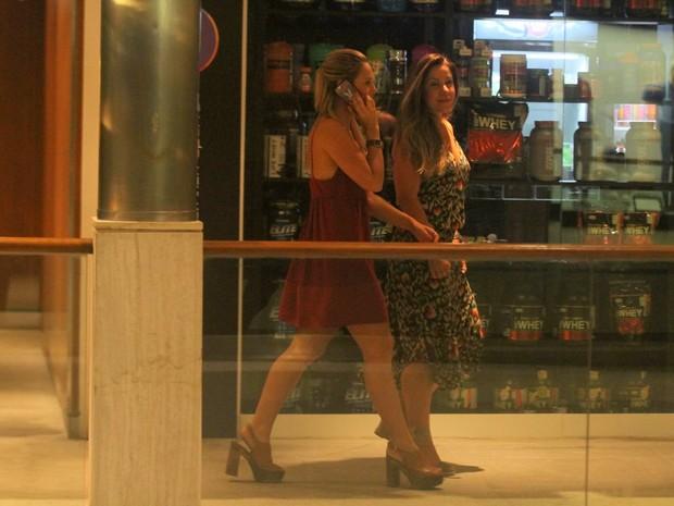 Paolla Oliveira em shopping na Zona Sul do Rio (Foto: Daniel Delmiro/ Ag. News)