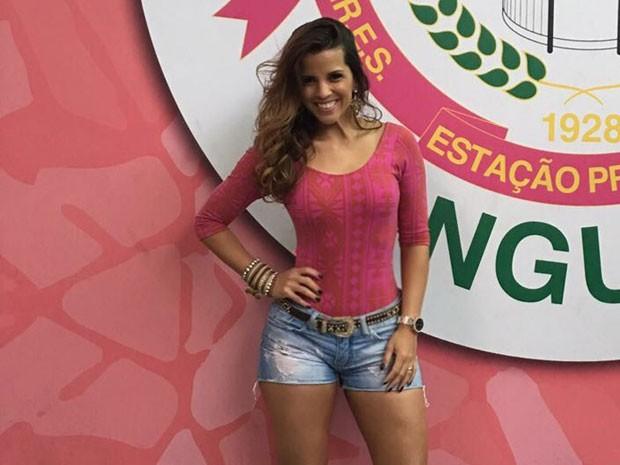 Renata Santos em evento na quadra da Mangueira, na Zona Norte do Rio (Foto: Divulgação)