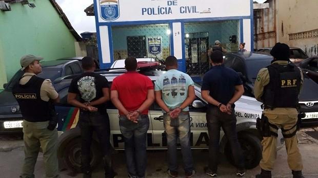 Suspeitos foram presos na cidade de Quipapá, próximo ao estado de Alagoas (Foto: Divulgação/PRF)