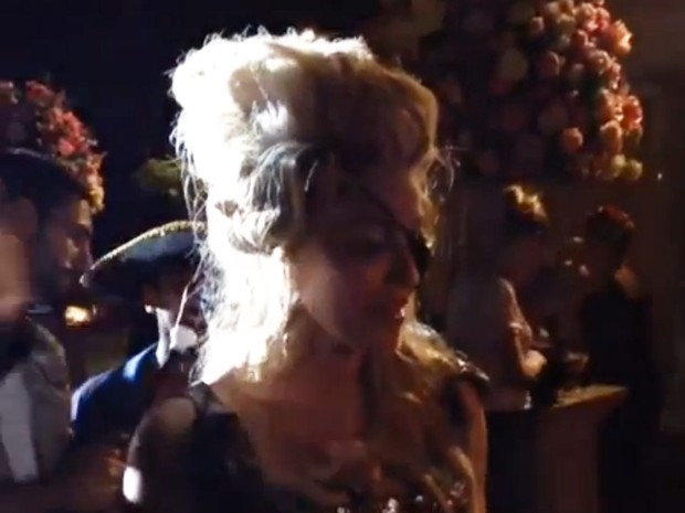 Madonna em sua festa de aniversario (Foto: Video/Reprodução)