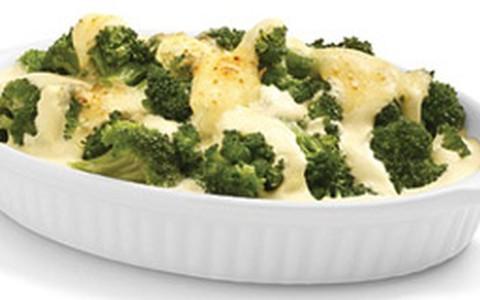Brócolis com molho de cream cheese