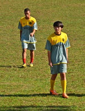 Ahn Jaemo joga no meio-campo e luta por vaga entre os titulares na categoria sub-20 (Foto: Régis Melo)