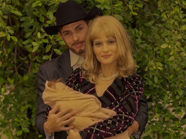 Jack e a esposa, a brasileira Branca Mendes, com a filha Pamela no colo (Foto: Parker TV)