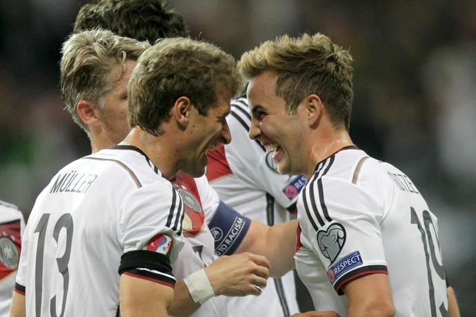 Müller Götze Alemanha Polônia (Foto: EFE)