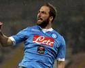 Higuaín faz dois, encosta em Suárez e deixa Napoli à frente do Roma na Itália