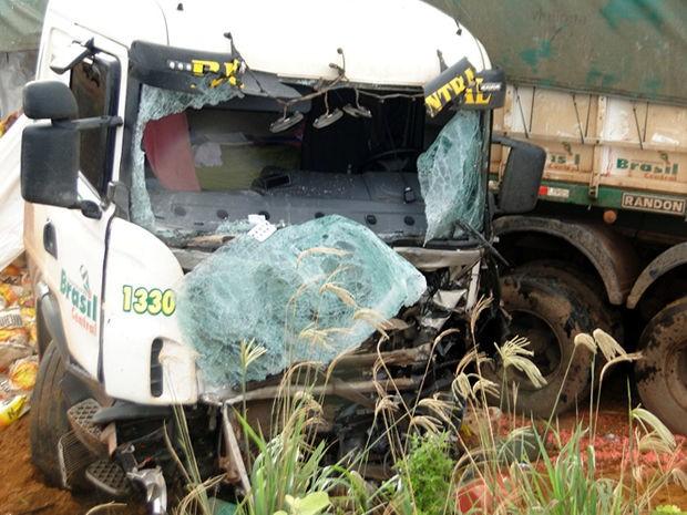 Caminhoneiro morreu em um acidente na BR-163. (Foto: Celso Padinha/Cenário MT)