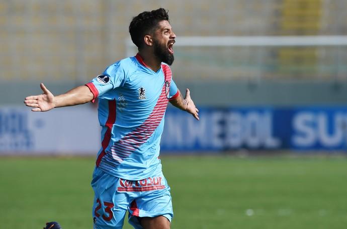 Wilchez, Juan Aurich x Arsenal de Sarandí (Foto: CRIS BOURONCLE / AFP)