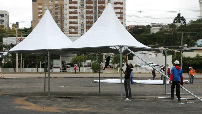 Estruturas temporárias copa beira-rio porto alegre (Foto: Paula Menezes/GloboEsporte.com)