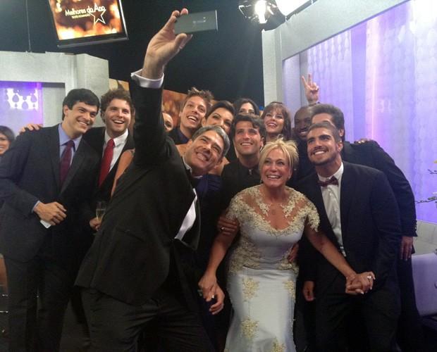 Indicados tiram selfie juntos nos bastidores do Melhores do Ano! (Foto: Arquivo Pessoal)