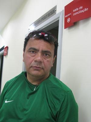 José Edivaldo não conseguiu acordo na audiência de conciliação para receber reembolso de R$ 20 mil de seu plano de saúde. (Foto: Simone Cunha/G1)
