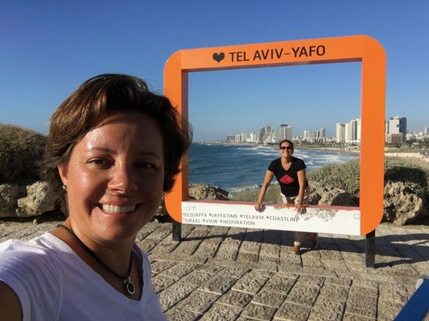 Fernanda Moura e Taciana Mello em Tel Aviv (Foto: THE GIRLS ON THE ROAD)