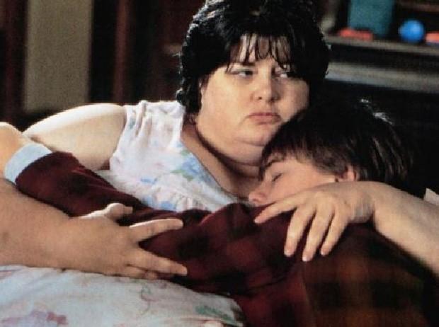 Darlene Cates e Leonardo DiCaprio em cena de 'Gilbert Grape: Aprendiz de Sonhador' (Foto: Reprodução)