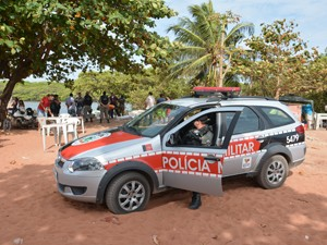 Garoto foi encontrado perto de um maceió, na Praia de Barra de Gramame em João Pessoa (Foto: Walter Paparazzo/G1)