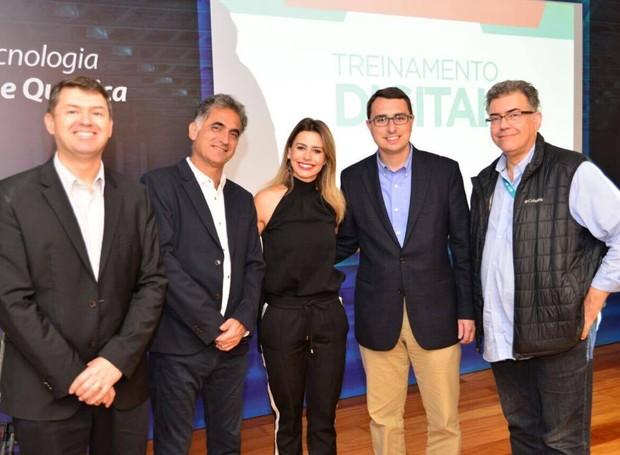 Profissionais da RPC e da Globo fizeram a abertura do evento (Foto: Priscilla Fiedler/RPC)