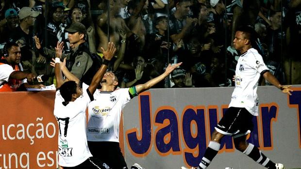 felipe azevedo ceará gol fortaleza (Foto: LC Moreira / Agência Estado)
