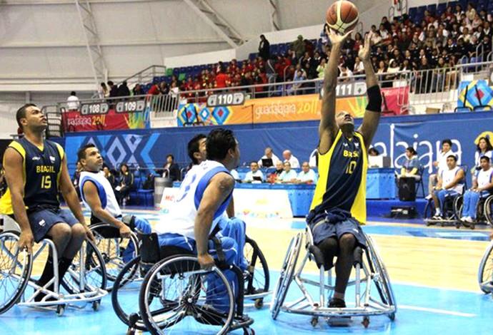 Luciano Felipe da Silva basquete em cadeira de rodas (Foto: Reprodução Facebook Luciano Felipe da Silva)