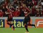Com gol, linda jogada e assistência, Ewandro dá show; reveja os lances