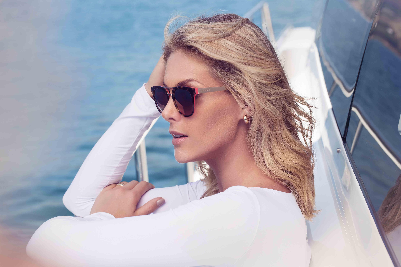 c9e4f87fae72b Ana Hickmann posa para campanha da coleção Heaven de eyewear - Vogue ...