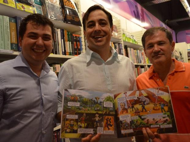 Cartunistas de Ribeirão Preto lançam revista em quadrinhos (Foto: Rodolfo Tiengo/ G1)