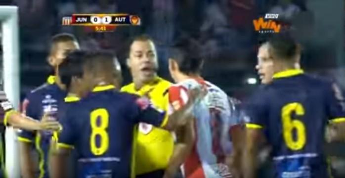 Ovelar toque mão Junior Barranquilla Uniautónoma