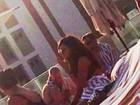 Rihanna curte piscina em hotel após show e noitada pós Rock in Rio