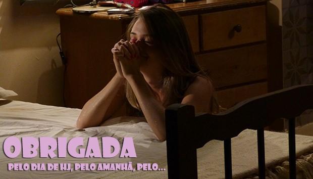 Fatinha rezando muuuuito! (Foto: Malhação / TV Globo)