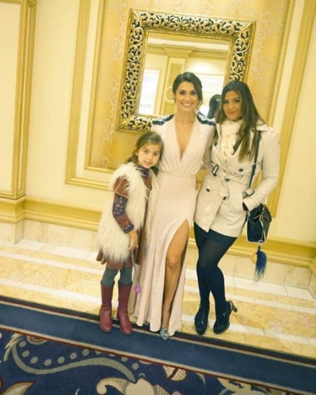 Flávia Alessandra com as filhas (Foto: Reprodução/ Instagram)