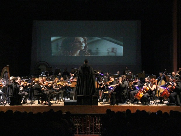 Cenas do filme 'Star Wars' acompanharam melodias emblemáticas do longa   (Foto: Jamile Alves/G1 AM)