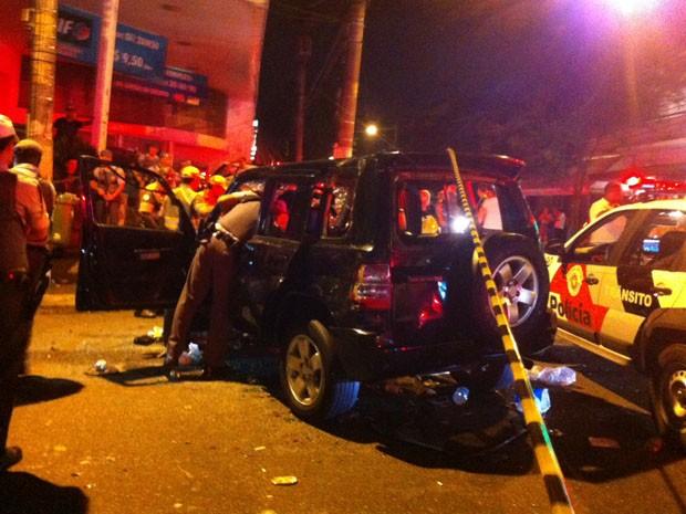 Policiais isolaram o local do acidente (Foto: Fabiana de Carvalho/G1)
