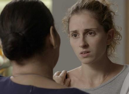 Ivana desabafa com Zu e decide ligar para Cláudio