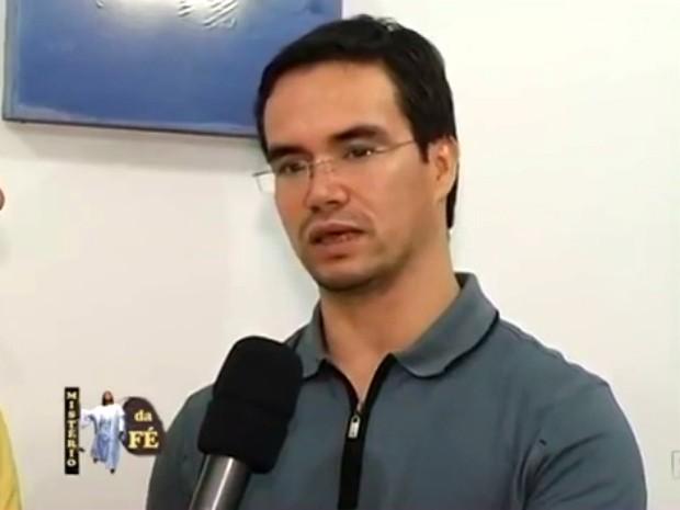 Padre Vanderlei Amorim morreu em um hospital do Rio de Janeiro após ficar nove dias internado (Foto: Reprodução RPC)