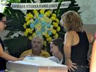 Amigos e familiares vão ao velório de Russo, no Rio