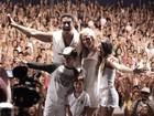 Xanddy comemora 2014 com Carla Perez e os filhos no palco