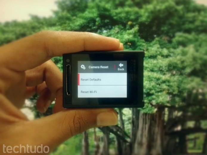 """GoPro: Selecione a opção """"Reset Defaults"""" para voltar as configurações padrão (Foto: Paulo Vasconcellos/TechTudo)"""