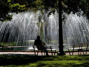 Praça da Liberdade é local ideal para descanso depois de visitar o circuito cultural do entorno.  (Foto: Marcelo Rosa / Belotur)