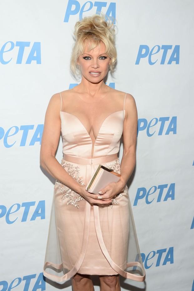 Pamela Anderson em evento em Los Angeles, nos Estados Unidos (Foto: Matt Winkelmeyer/ Getty Images/ AFP)