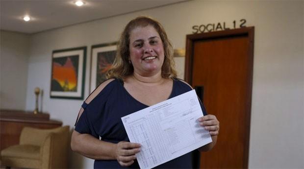 A síndica Patrícia Rodrigues já usou as novas regras para rescindir contrato de seu porteiro   (Foto: Estadão Conteúdo)