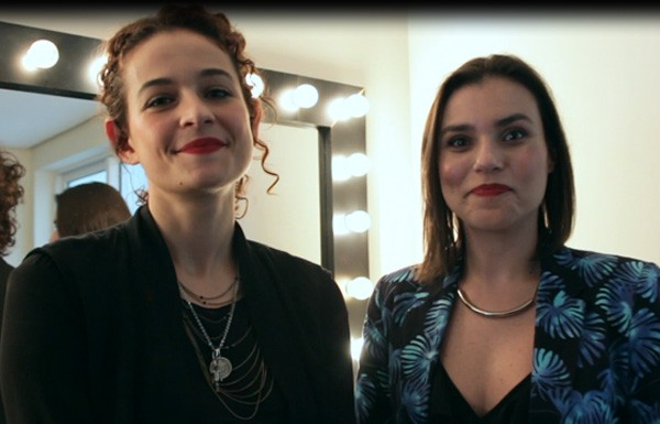 A editora de beleza Maria Clara Póvia e a makeup artist Rafa Crepaldi (Foto: Arturo Querzoli)