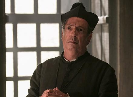Falso padre chega a Vila Rica