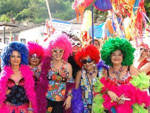 Drag queens também enfeitaram o Bloco Balanço da Cobra. (Foto: Alex Araújo / G1)