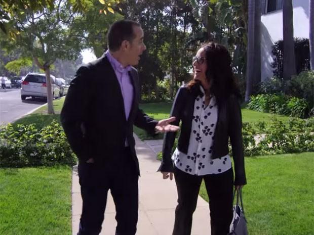 Jerry Seinfeld e Julia Louis-Dreyfus se reencontram no 'Comedians in cars getting coffee', programa de entrevistas apresentado por ele (Foto: Divulgação)