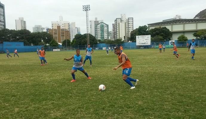 Jogadores do Vitória-ES fazem treinos coletivos no Salvador Costa (Foto: Richard Pinheiro/GloboEsporte.com)