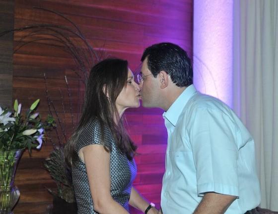 """Senador Eduardo Braga, citado na lista de Fachin, celebra """"Dia do Beijo (Foto: Reprodução)"""