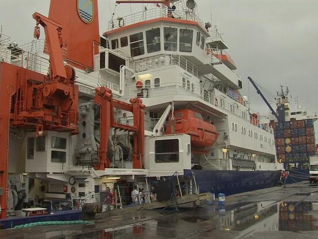 Navio alemão de pesquisa atraca em Fortaleza  (Foto: TV Verdes Mares/Reprodução)