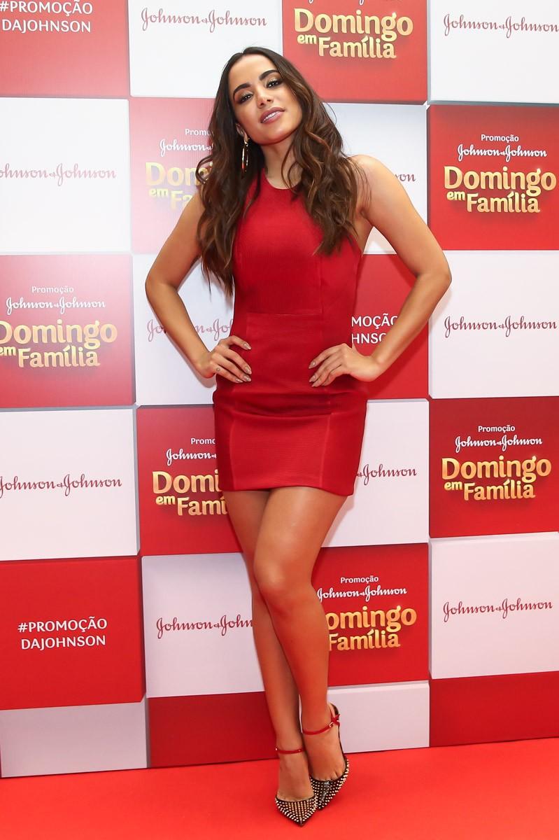Anitta aposta em mini vestido vermelho para evento em São Paulo (Foto: Divulgação)