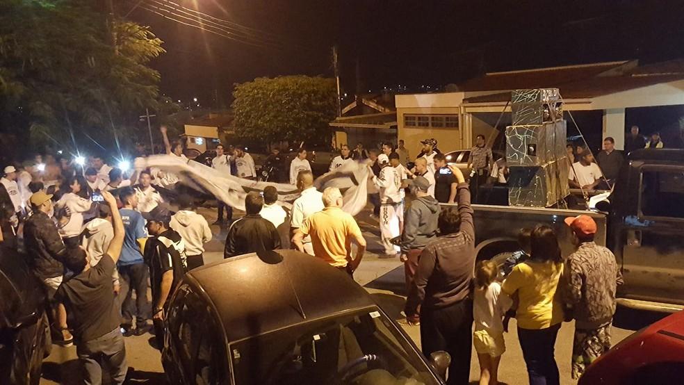 Bragantino foi recebido com muita festa pela torcida em Bragança Paulista, ainda na terça-feira (Foto: Rafael Moreira/CA Bragantino)