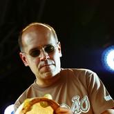 Marcos Suzano e Guilherme Gê (Foto: Wataru Umeda/Divulgação)